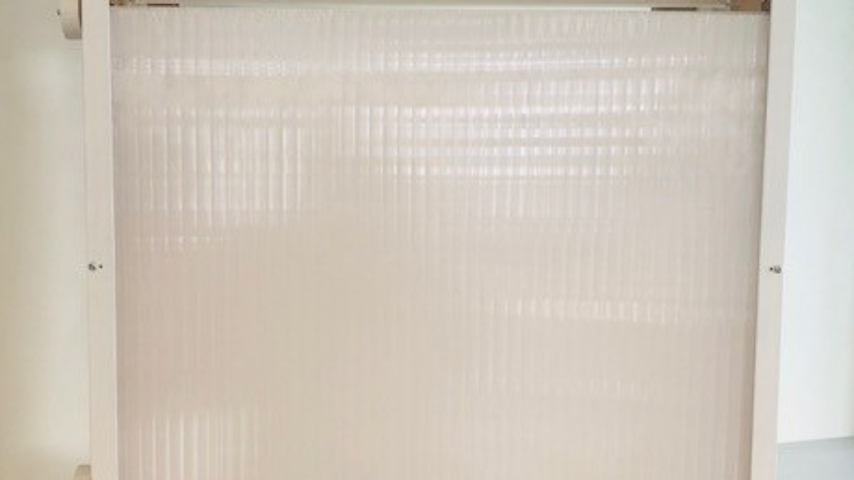 Transluzente Konstruktion – Innenseite.    Mit innenseitigem Phase Change Material (PCM).
